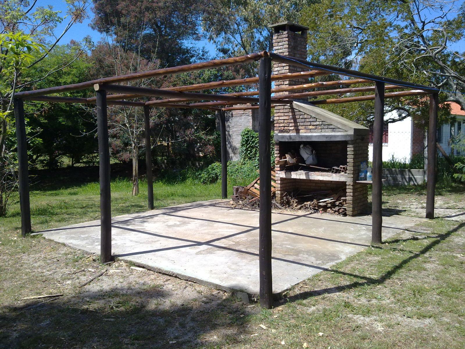 Techos livianos y pergolas pergola postes y ca as for Cubiertas para techos livianas