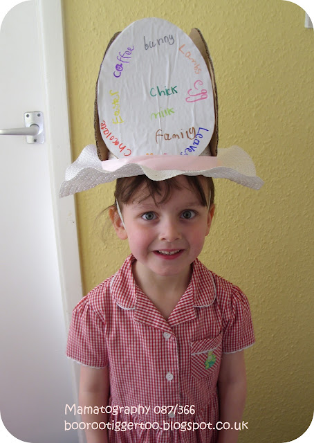 087/366 - Easter Bonnet