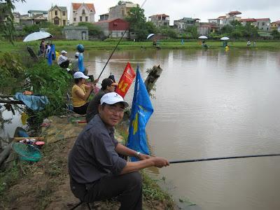 Bộ cần câu cá tiện dụng