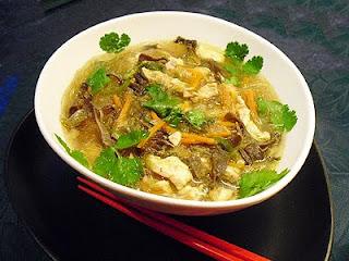 Soupe au poulet et vermicelles de soja