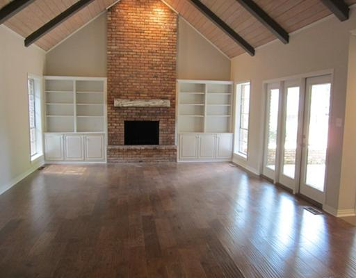 The Family Room got new paint and a reclaimed timber mantle.-3.bp.blogspot.com