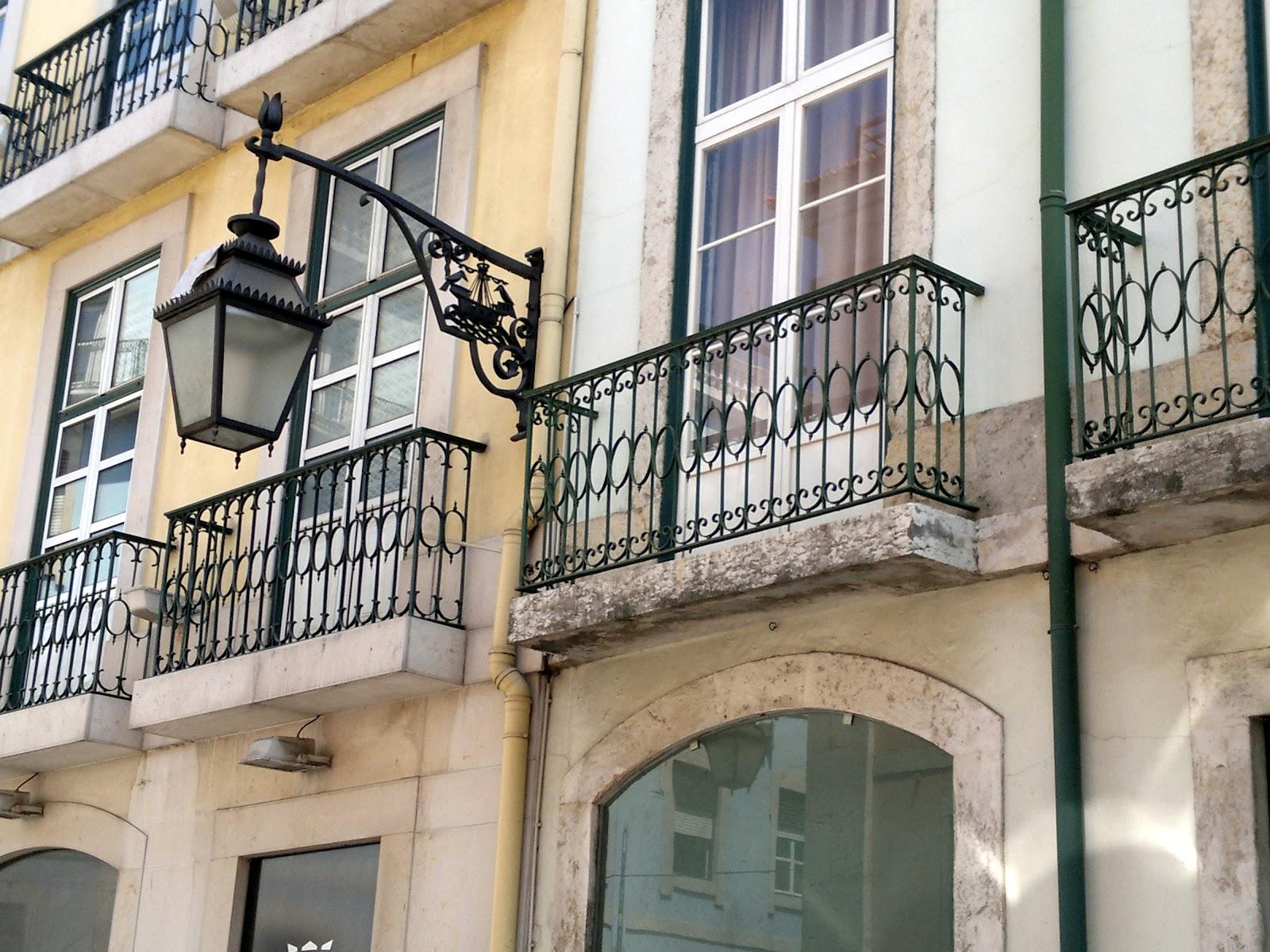 Archi & tetti: i balconi di lisbona