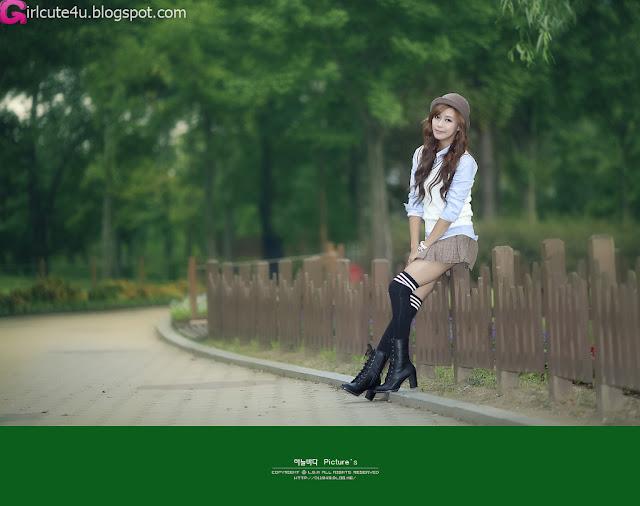 1 Kim Ha Yul in Mini Skirt-very cute asian girl-girlcute4u.blogspot.com