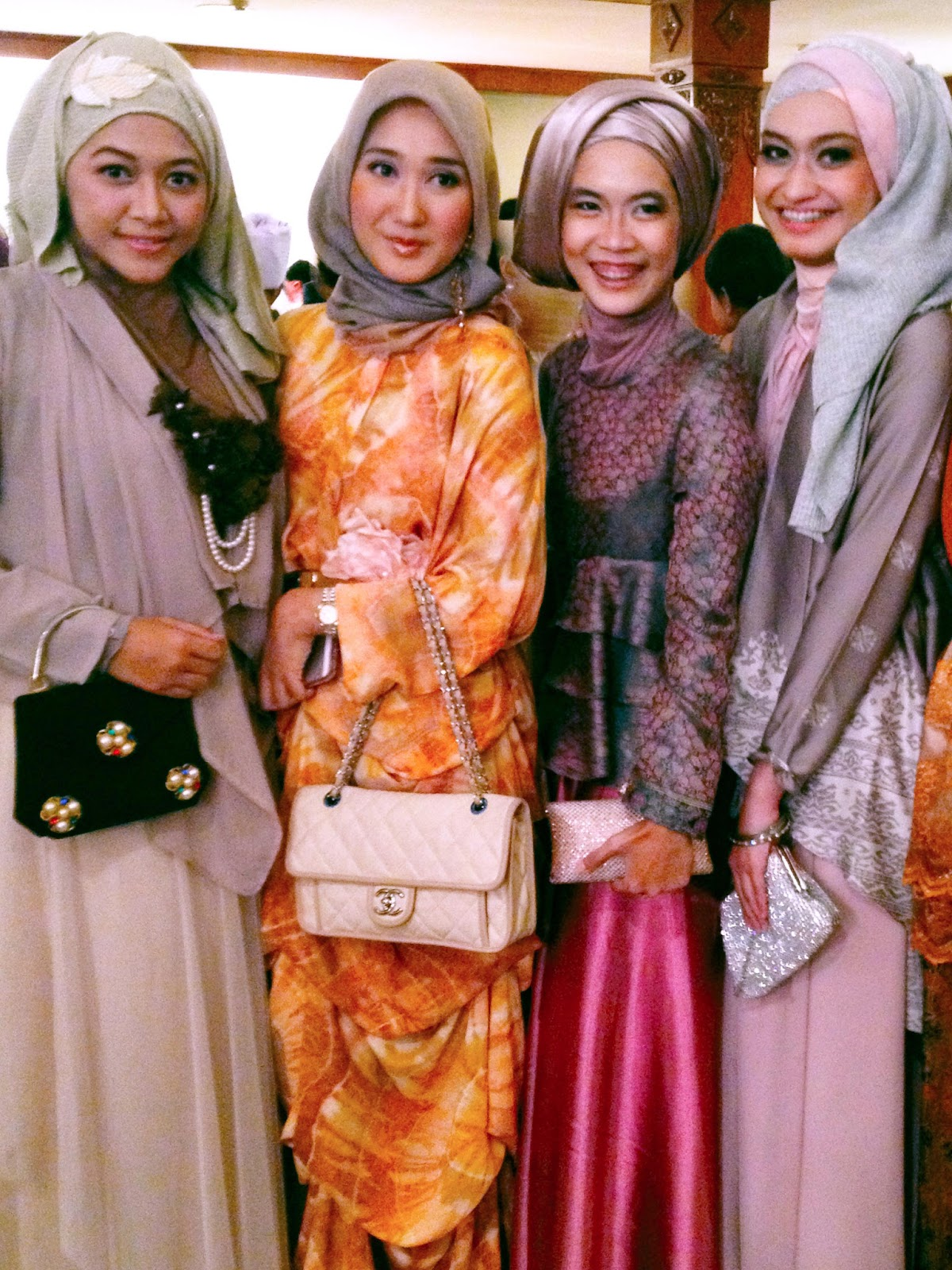 Port Of Tasya Meet Friends At Inas Rofi Wedding