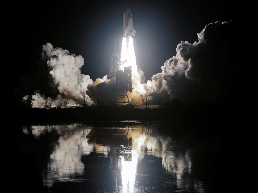 http://3.bp.blogspot.com/-hZK2BZnw-Zk/TXj4JMFYt0I/AAAAAAAABf8/N8oE0MYnObo/s1600/night_space_shuttle_launch.jpg