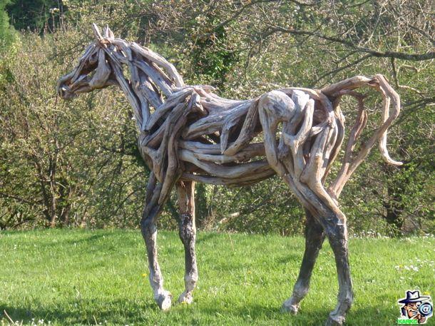 Escultura en troncos. 1_wm