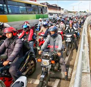 Kenapa banyak yang memilih menggunakan sepeda motor