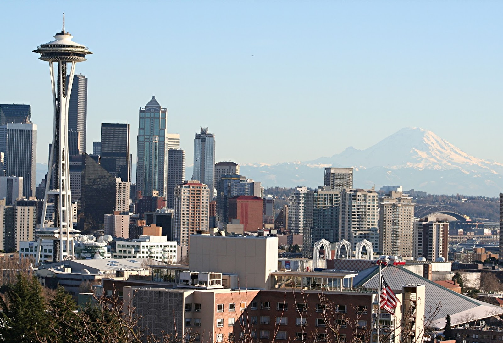 Robert abalos real estate report frasier crane in seattle for Seattle view apartments