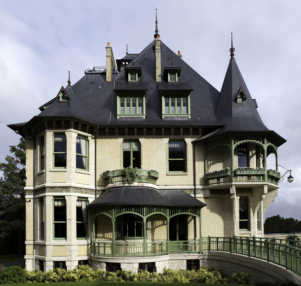 Loveisspeed villa in art nouveau in 1908 the - Modern art nouveau architecture ...