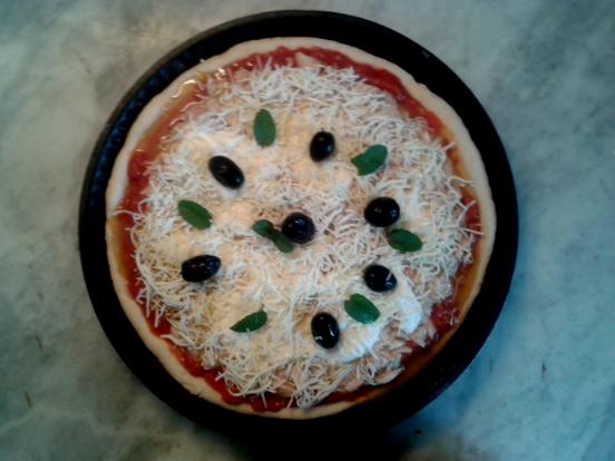 Hướng dẫn cách làm bánh Pizza siêu nhanh tại nhà