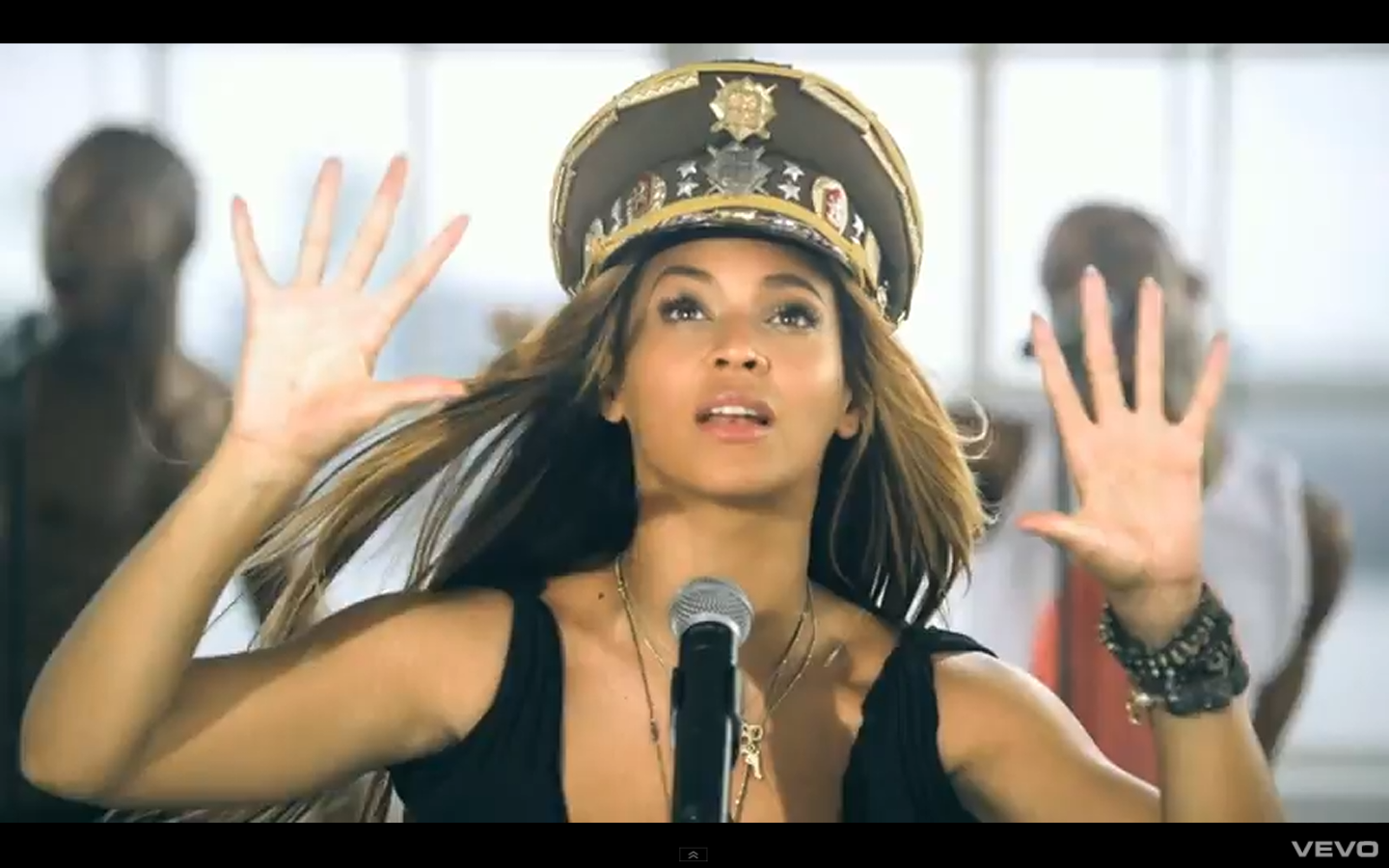 http://3.bp.blogspot.com/-h_Uaox_Qo_M/Tu38T3b1q7I/AAAAAAAAAYk/4vFIo0A8Rfg/s1600/Beyonce-LoveOnTop.png