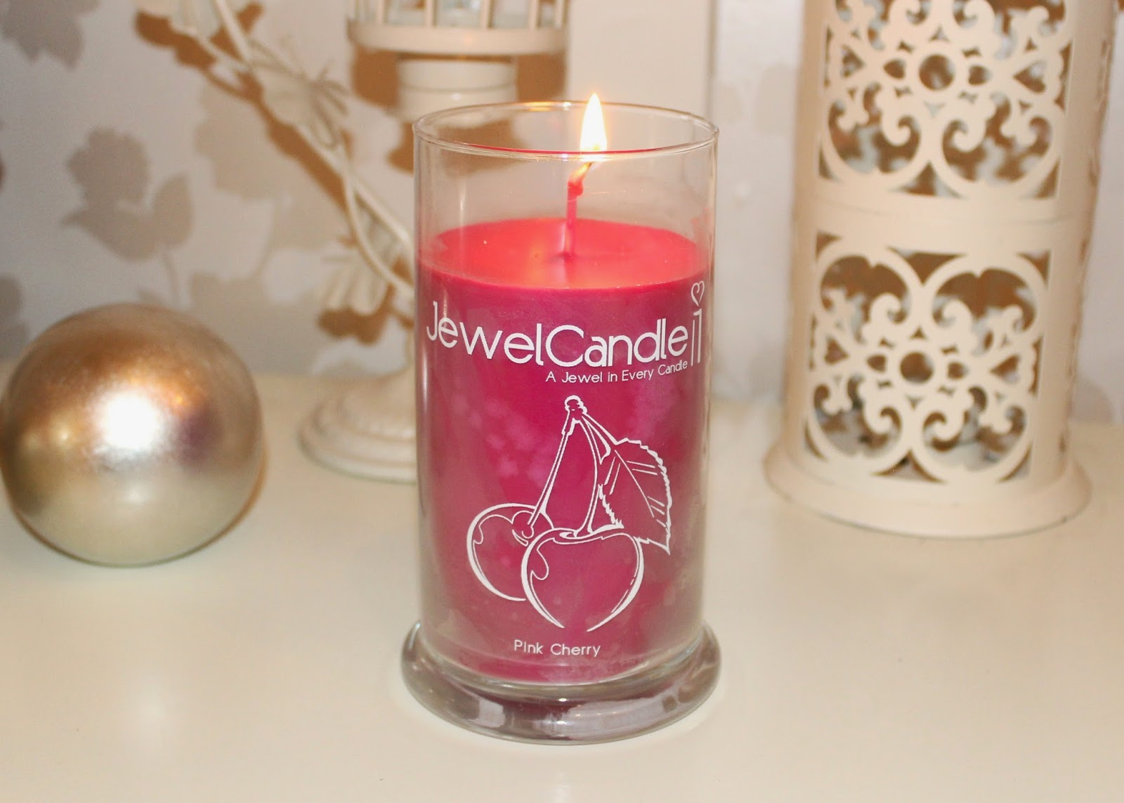 giveaway jewel candle surprise jewellery candle review and giveaway flutter and sparkle. Black Bedroom Furniture Sets. Home Design Ideas