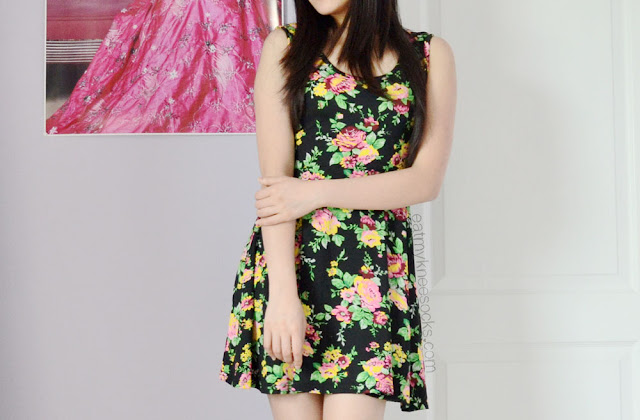 Floral dresses never go out of season, and this floral skater dress from Milanoo is simple yet stylish enough to be the ultimate fashion staple.