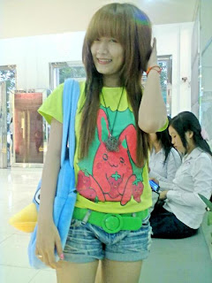 Khmer girl Coca Mini with short jean 2
