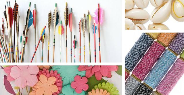 Fabriquer des flèches avec des bâtons et des plumes ( source photo )