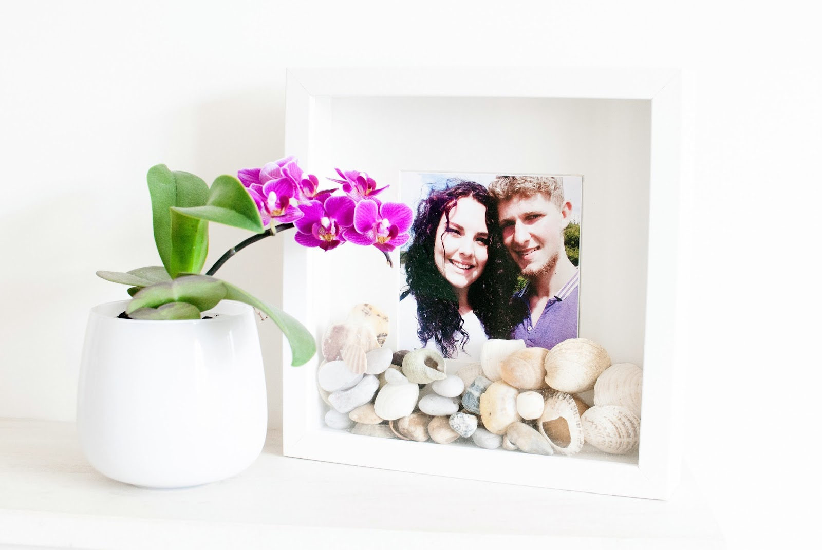 DIY: Shell Photo Frame