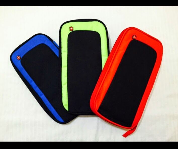 ORGANIZADORES VICTORINOX REF V01 negro con azul,negro con verde, negro con rojo