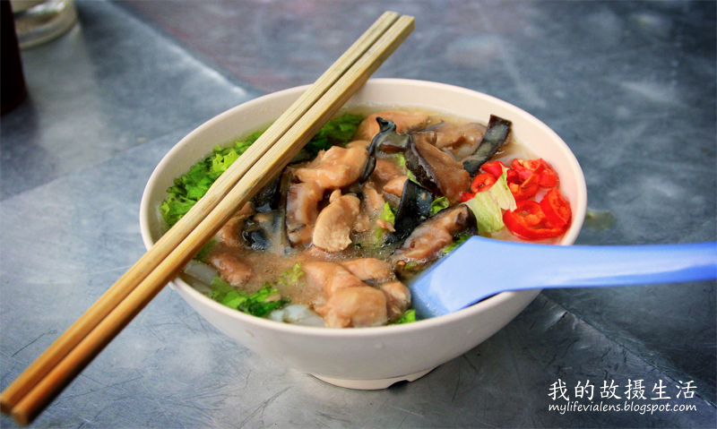 彩虹公寓的冬菇鸡丝河粉汤