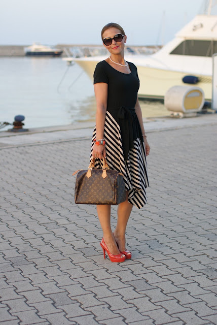 Donna Karan New York dress, Louis Vuitton Speedy 30 monogram, summer striped dress, Fashion and Cookies