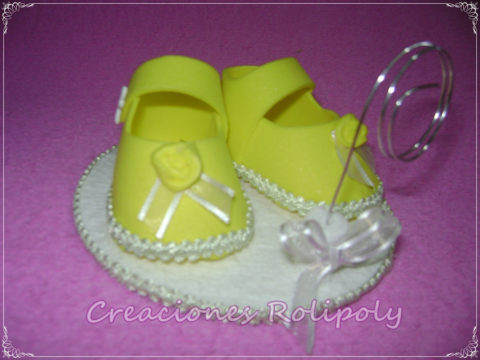 ZAPATITOS PARA BABY SHOWER Y EL PRIMER A  ITO