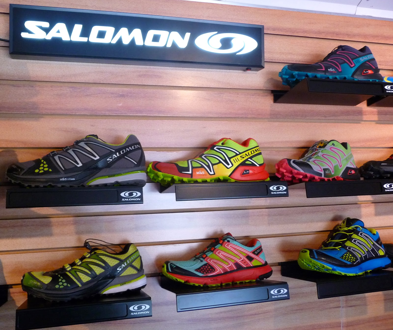 Trail running shoes store