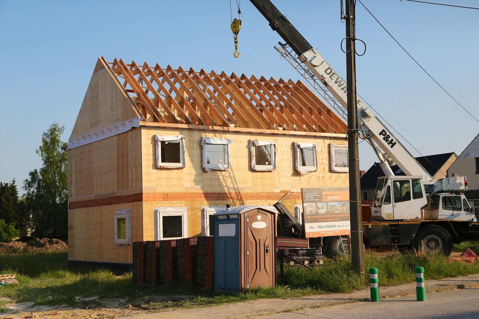 Construction d 39 une maison en ossature bois avec dewaele 2013 for Construction une maison
