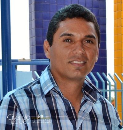 http://3.bp.blogspot.com/-hao5VOHBxGA/T4TSSUerT2I/AAAAAAAACaQ/EbXaiE-jDV0/s1600/Prefeiro+Atemir+Botelho.JPG