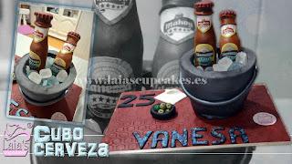 Tarta personalizada de fondant cubo de cervezas Laia's Cupcakes Puerto Sagunto