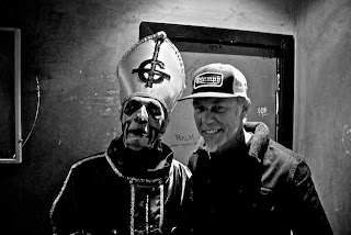 Ghost - Papa Emeritus y James Hetfield