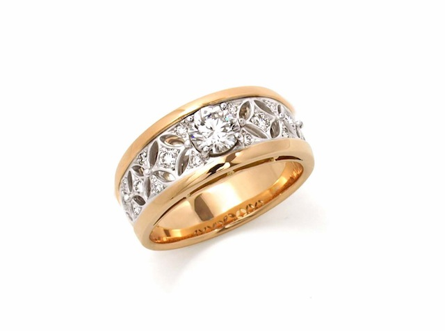 思い出のリングの石を新しいデザインにリメイク(リ・スタイル)した。