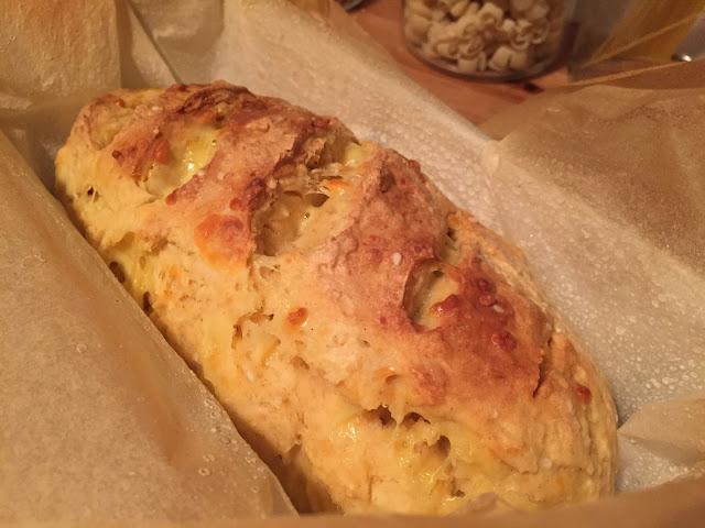 Australisches Damper Bread mit Käse - Brot ohne Hefe