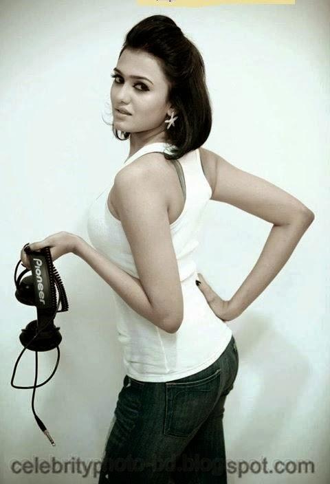 Bangladeshi+Popular+Dj+Musician+Girl+Dj+Sonica's+Latest+HD+Photos+Collection+2014011