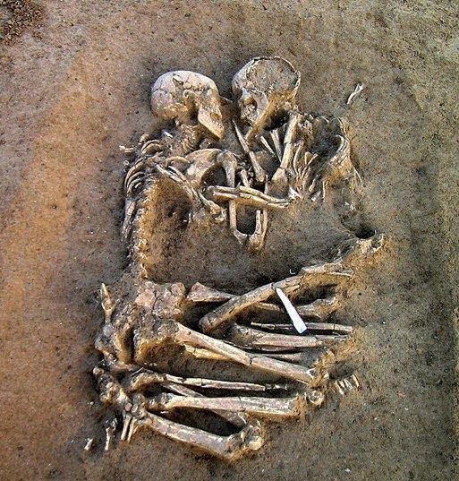 Flört aşk sevgi namus evlilik aldatma boşanma mutluluk nedir