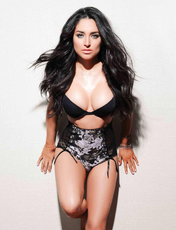 "Response to ""Fotos: Wendy Gonzalez Revista OPEN Junio 2015"""