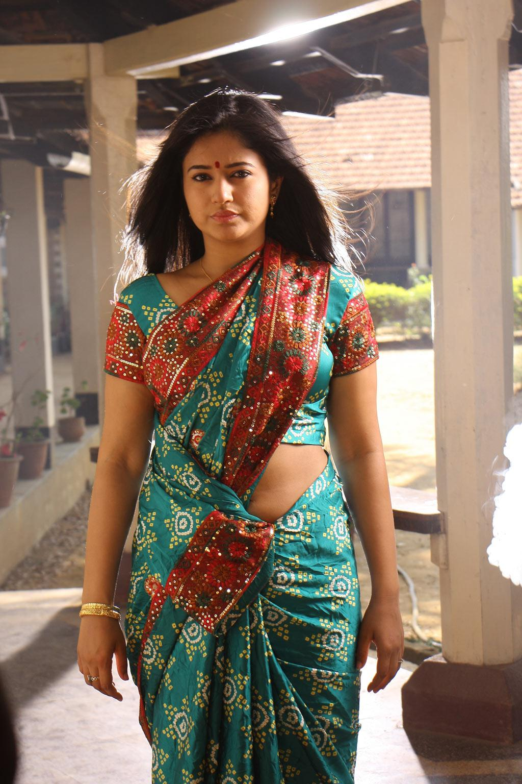 Ennamo Edho Tamil Movie Poonam Bajwa Latest St...