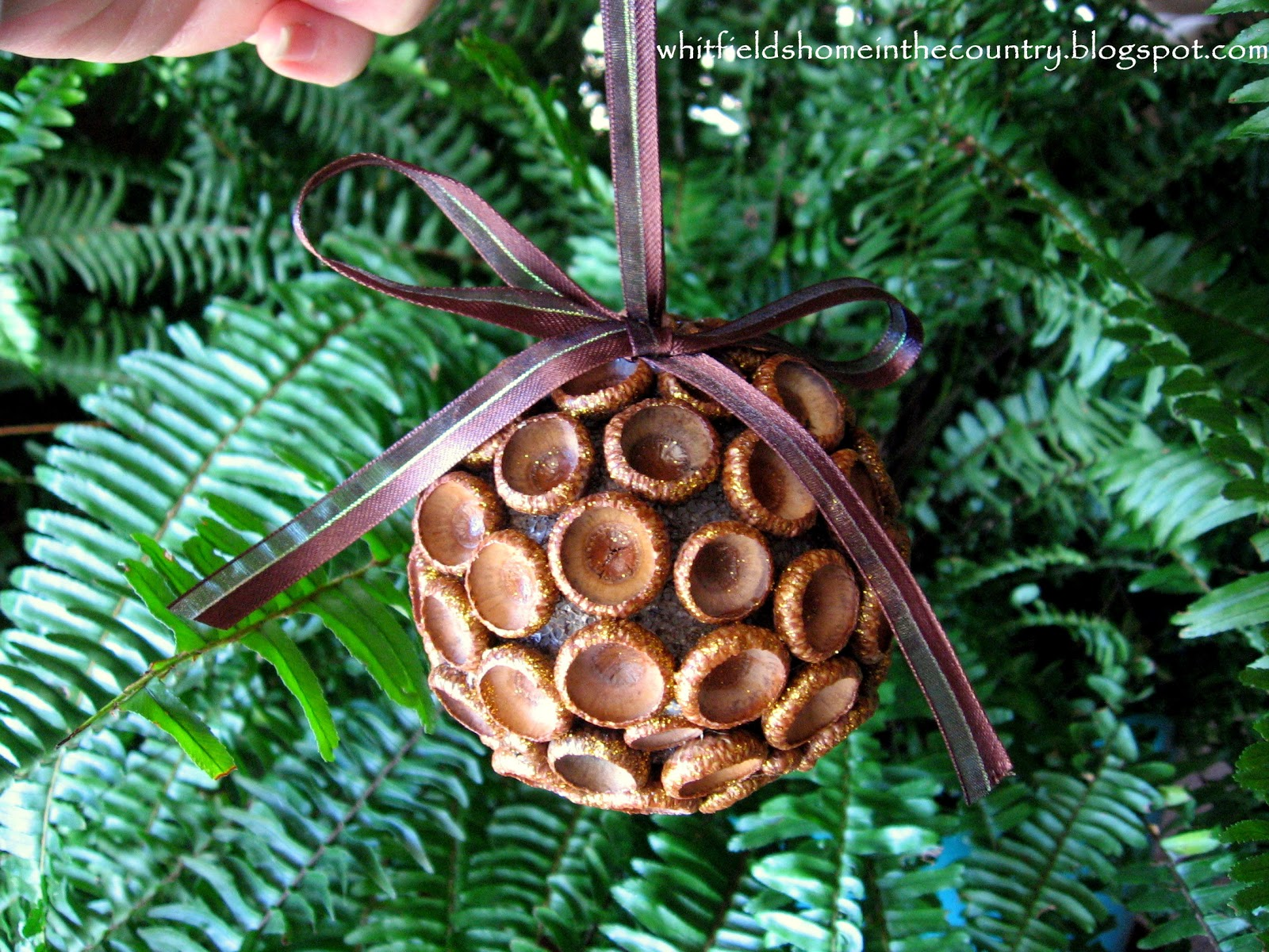 Whitfield 39 s home in the country diy pretty acorn for How to make acorn ornaments