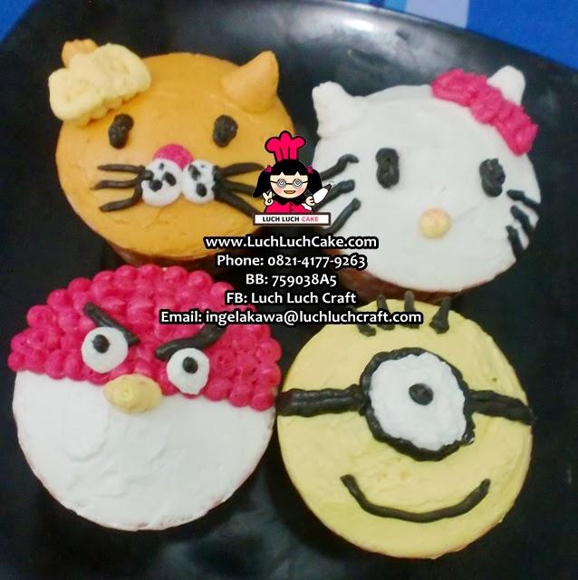 Cupcake Hello Kitty, Angry bird, Minion Daerah Surabaya - Sidoarjo