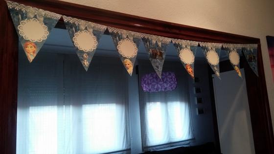 imagen_frozen_cumpleaños_casa_niña_azul_hielo_organizar_burgos_bilbao_banderolas