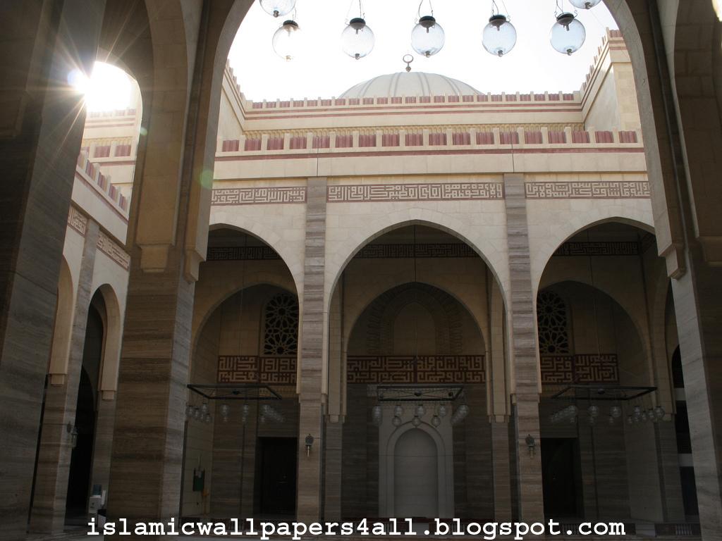http://3.bp.blogspot.com/-hbjHZoTy068/TgkQSJ7kY0I/AAAAAAAAAAY/zP7msqzr4KM/s1600/Al+Fateh+Mosque+in+Manama+-+Bahrain+%2528courtyard%2529.jpg