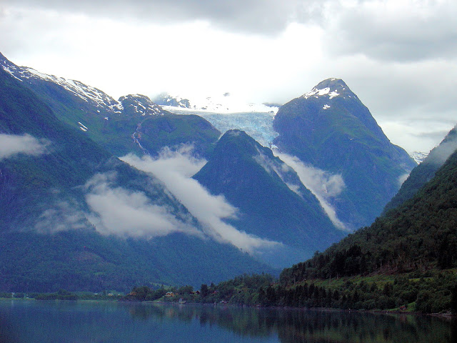 The Bøyabreen Glacier seen from the Fjærlandfjord.