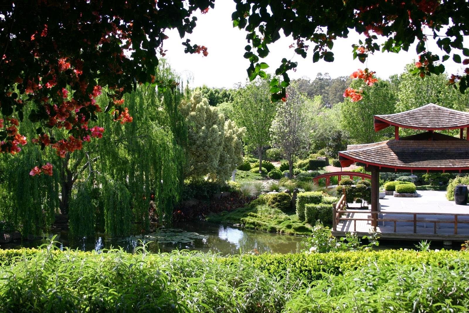 Real world gardener themes in garden design for Japanese themed garden