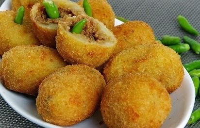 resep kroket kentang ragout,resep kroket kentang isi sayuran,resep kroket kentang keluarga nugraha,resep kroket kentang ncc,resep kroket kentang keju,ayam,daging keju,isi daging,