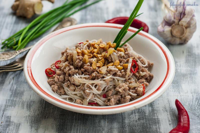 Sałatka z makaronu tajska