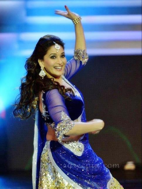 Madhuri-dixit-dance-performance-ghagra-choli-IIFA-2013