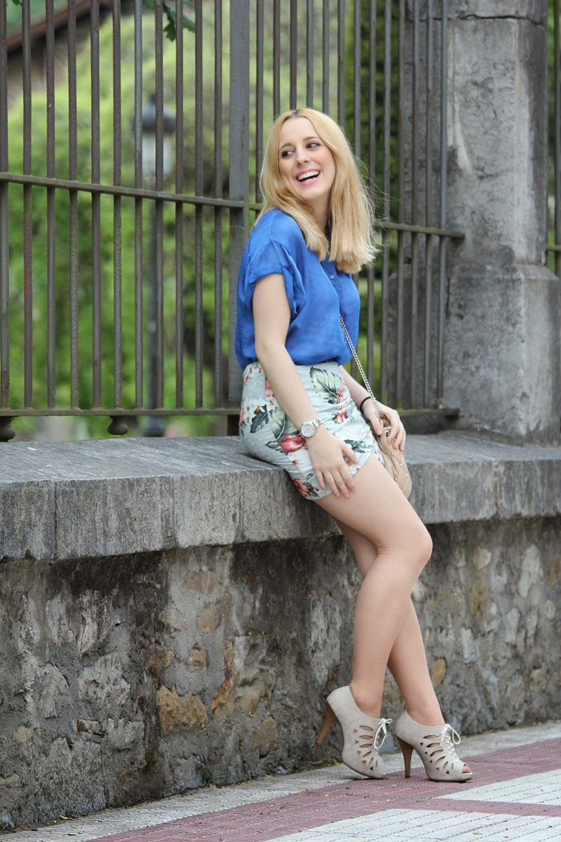 spring_flowered_skirt-fashion_blog_daily_outfit