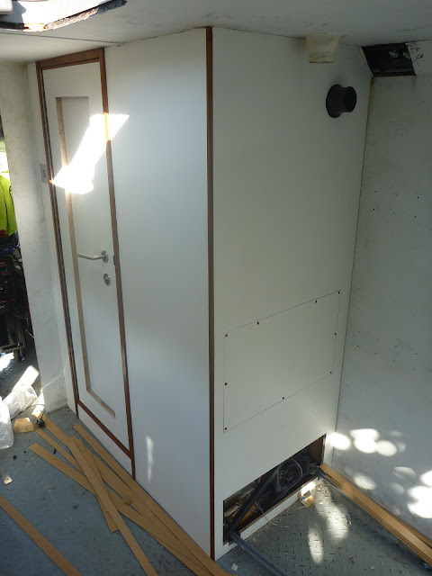 The complete cladding in 12mm WISA multiwall around the bathroom in Jim