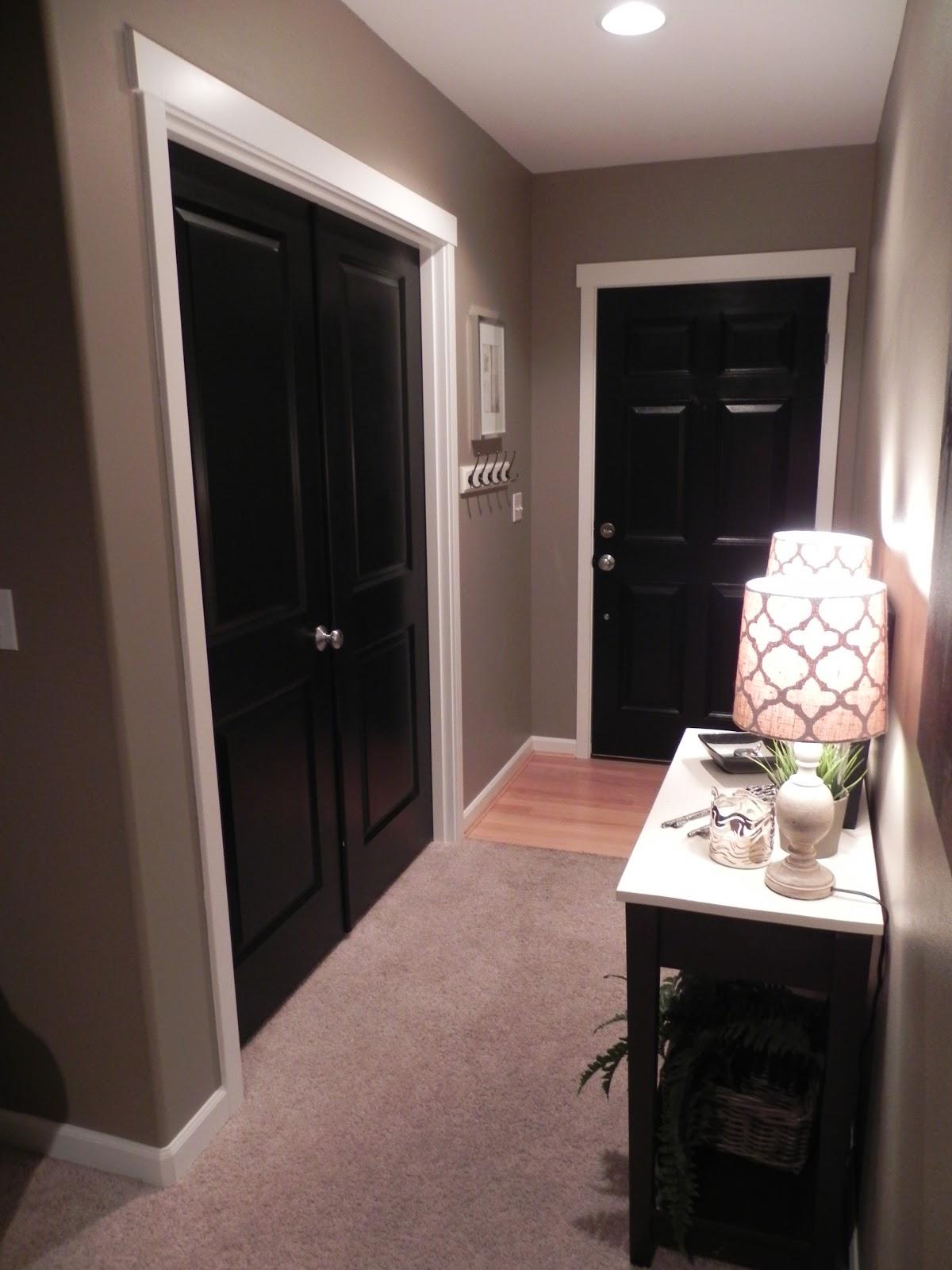 Black Doors Galore & A Decorated Room: Black Doors Galore