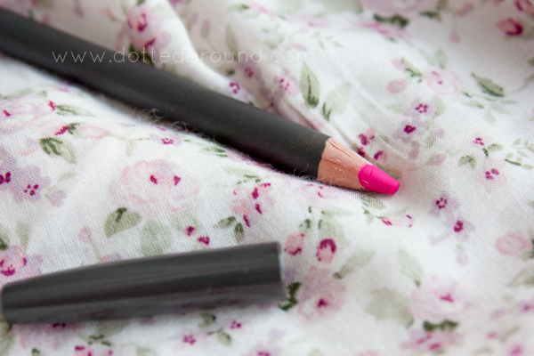 MAC Embrace Me lip pencil
