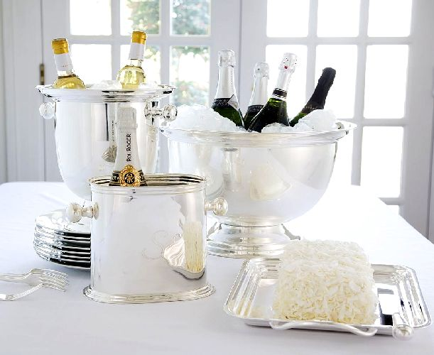Home decoration ideas for new year interior design and deco for Table design for new year