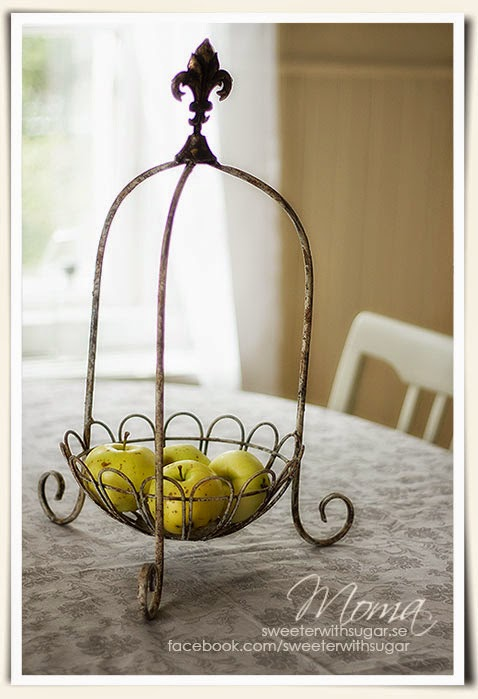 vintage shabby chic fruit basket